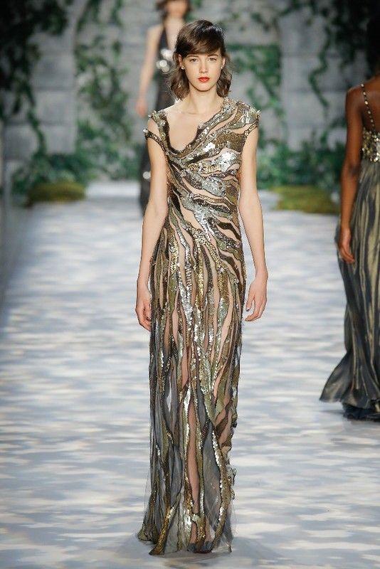 Фасоны шикарных сексуальных платьев из коллекции мировых брендов
