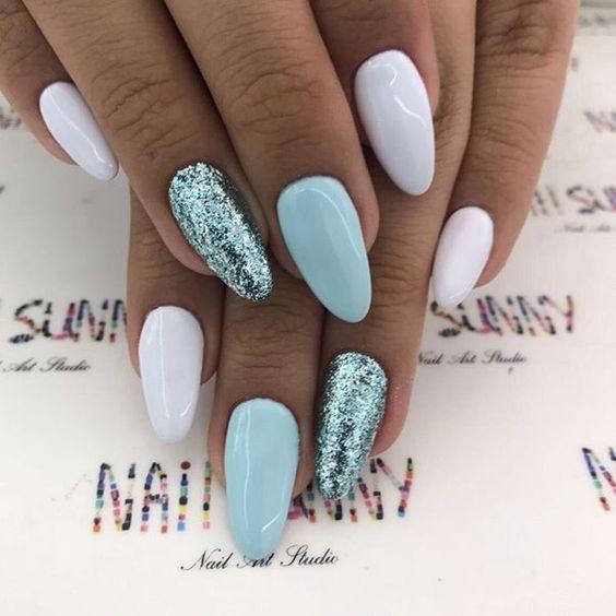 Белые ногти с дизайном 902