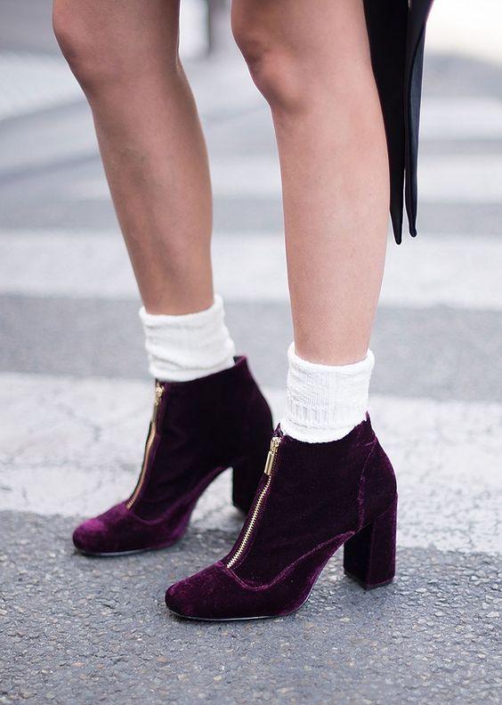 fbedb574c К примеру, ботинки в осеннем сезоне 2018 будут пользоваться невероятной  популярностью. В модных коллекциях дизайнеры представили самые разные  модели.
