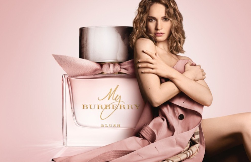 burberry marketing revamp Marketing mix strategy as burberry is both a global company and a luxury brand, its product offerings have to be consistent all around the world in order to ensure high quality of products and strict.