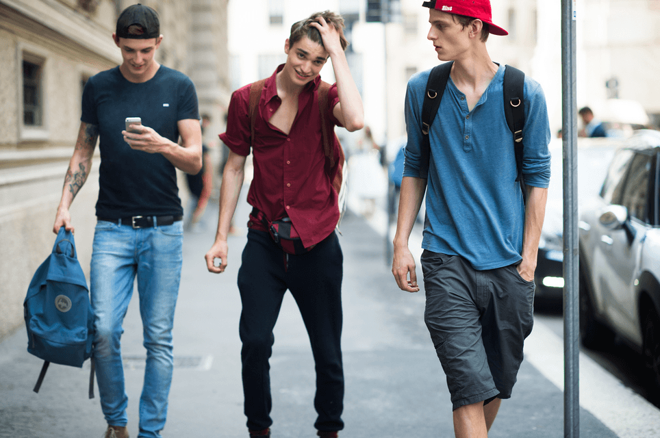 0a26660b063c Мода для девочек и мальчиков подростков 2018  новинки и тенденции