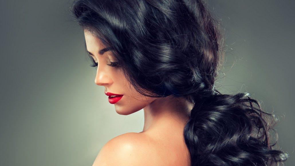 Девушки брюнетки с красивыми волосами