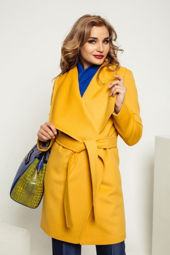 8ca8b827e95 Дизайнеры же предлагают нам широкий выбор фасонов и расцветок. Какое пальто  будет модным в 2018  Рассмотрим основные тенденции.