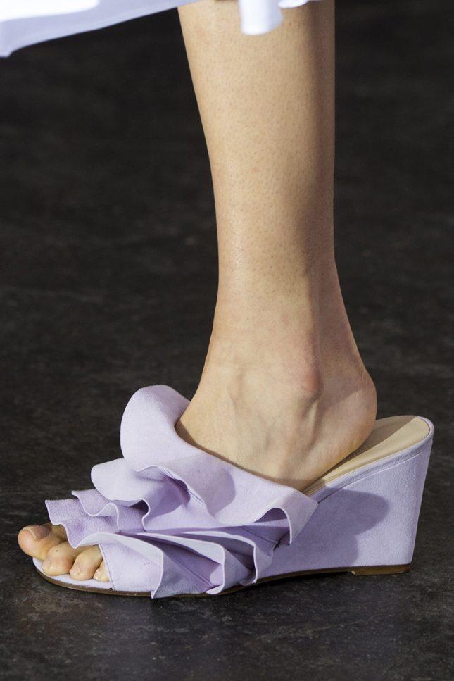 Сегодня мы расскажем вам о том, что нужно знать о модных трендах в мире женской  обуви. 0eb87914cf6