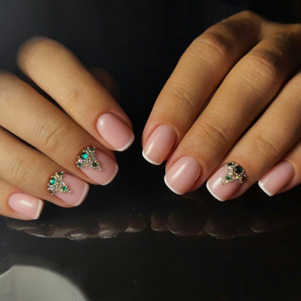 Фото ногтей с цветами по краю 40