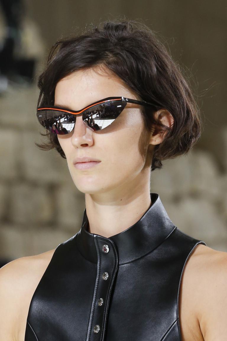 edcc0d385dabac Какие же требования к солнцезащитным очкам предъявляет высокая мода в 2018  году? Ответ на этот вопрос мы постарались раскрыть в сегодняшнем материале  с ...