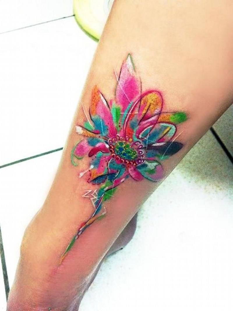 Натуралистичная татуировка