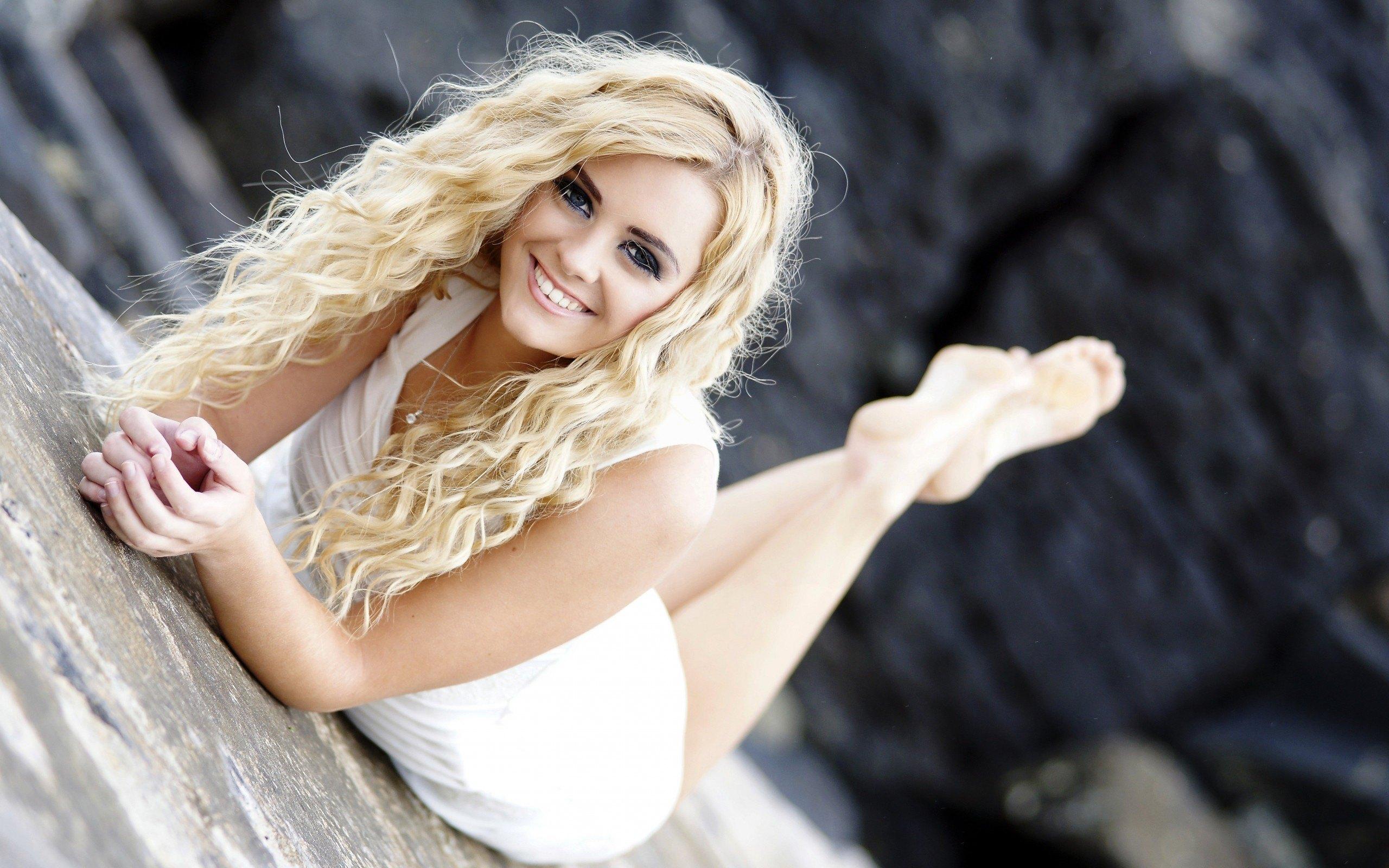 Смотреть фото красивых блондинок с волнистыми волосами
