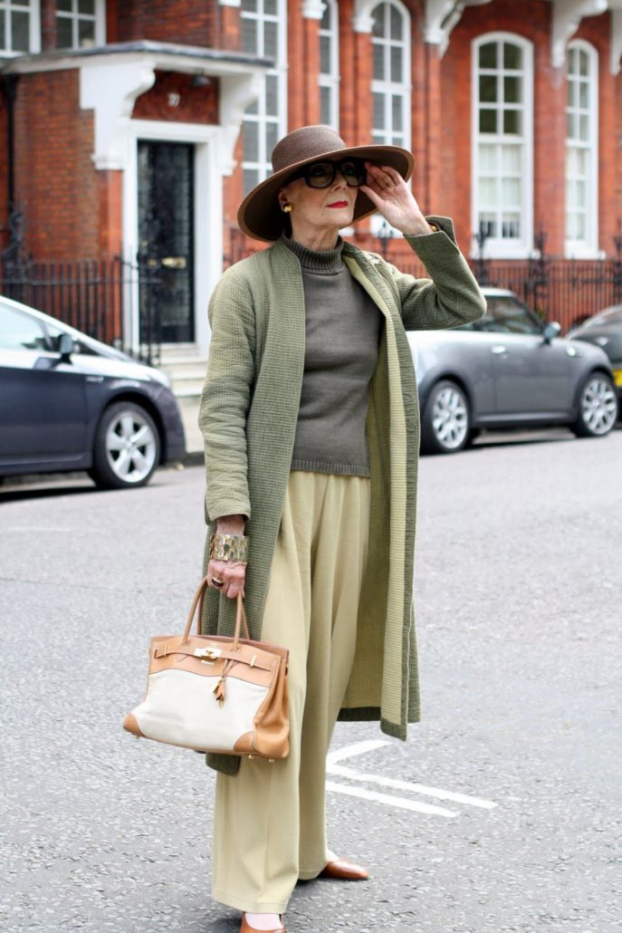 b93ca90a470 Мода 2018 для женщин за 50  как одеваться и выглядеть стильно