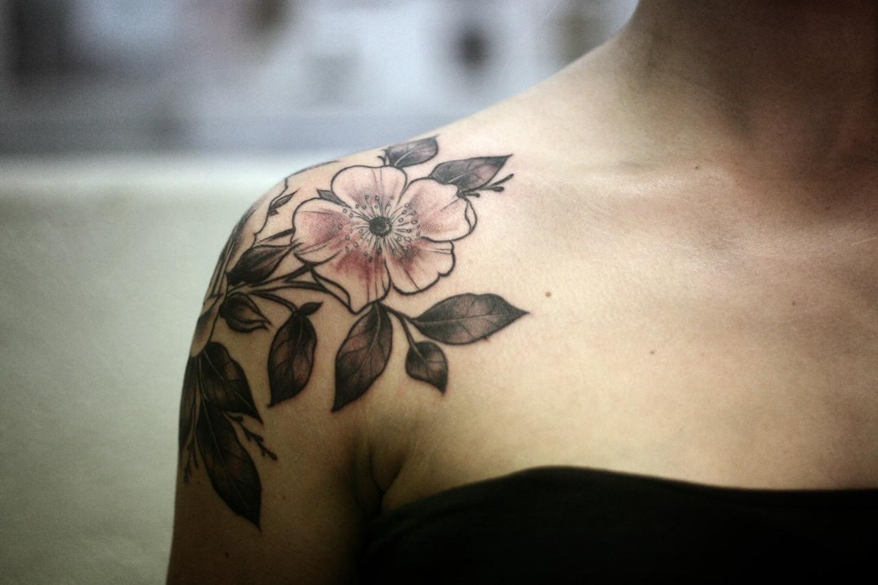 Татуировки у девушек как способ самовыражения