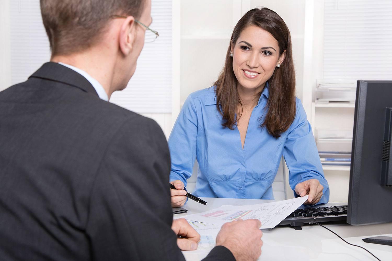 Менеджер знакомство с клиентами