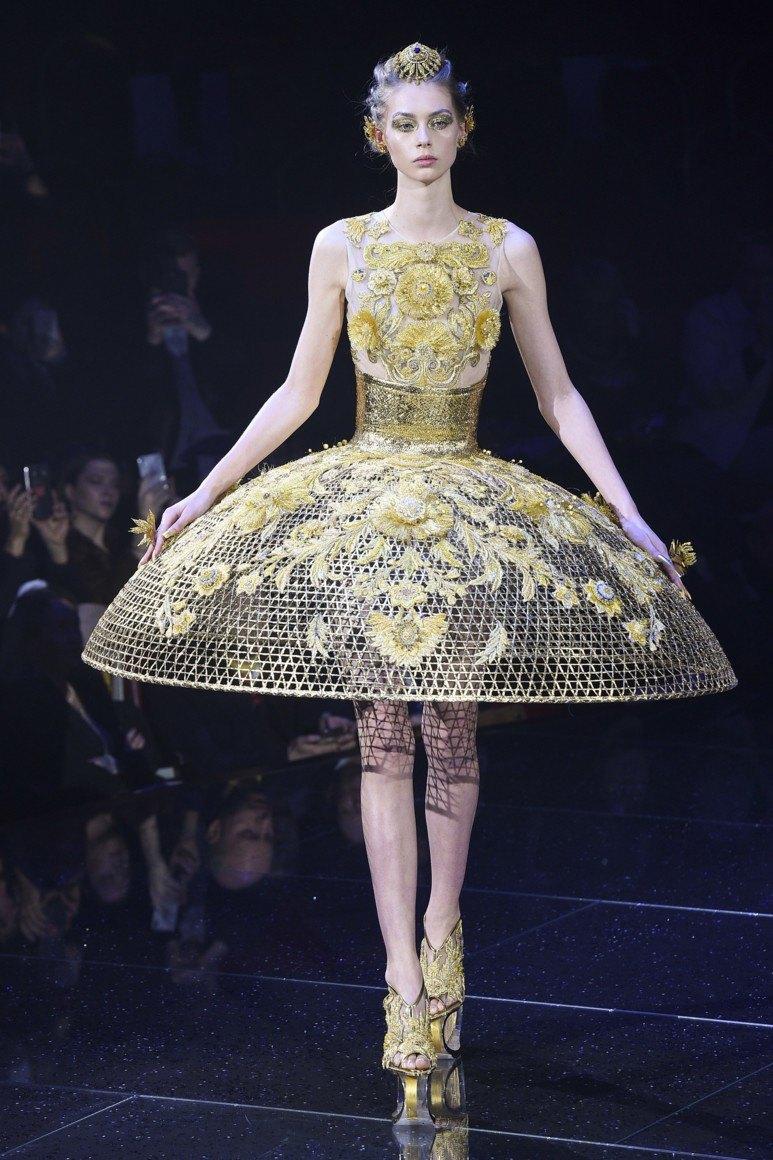 cbf8d7d1f26 Если посмотреть фото самых красивых коротких платьев в мире