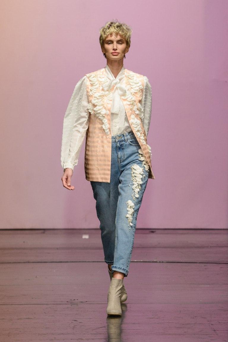 b2dc23b8a5c7 Модные блузки Весна - Лето 2018: 100+ новинок, тенденции на фото