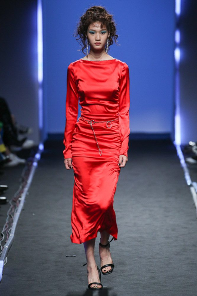 bfda437b239 Как и с чем комбинировать красное платье  Как выбрать свой идеальный  оттенок красного