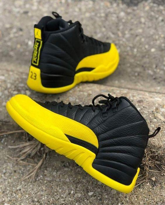 bd9dff2a Эргономичная форма мужских кроссовок с яркой расцветкой позволяет бегать,  словно ягуар: бесшумно и комфортно. Стильные городские модели отличаются от  ...