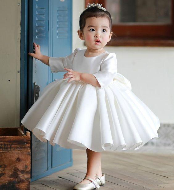 ddf51fe6878486f Наряд должен быть по размеру, не давил, швы не врезались в нежную детскую  кожу, не ограничивались движения ребенка. Активной маленькой непоседе  подойдет ...