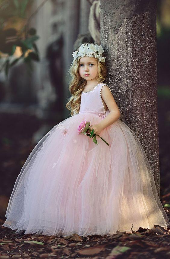 f833a465f22766a Платье для девочки 3 года: 100+ фото нарядных изделий