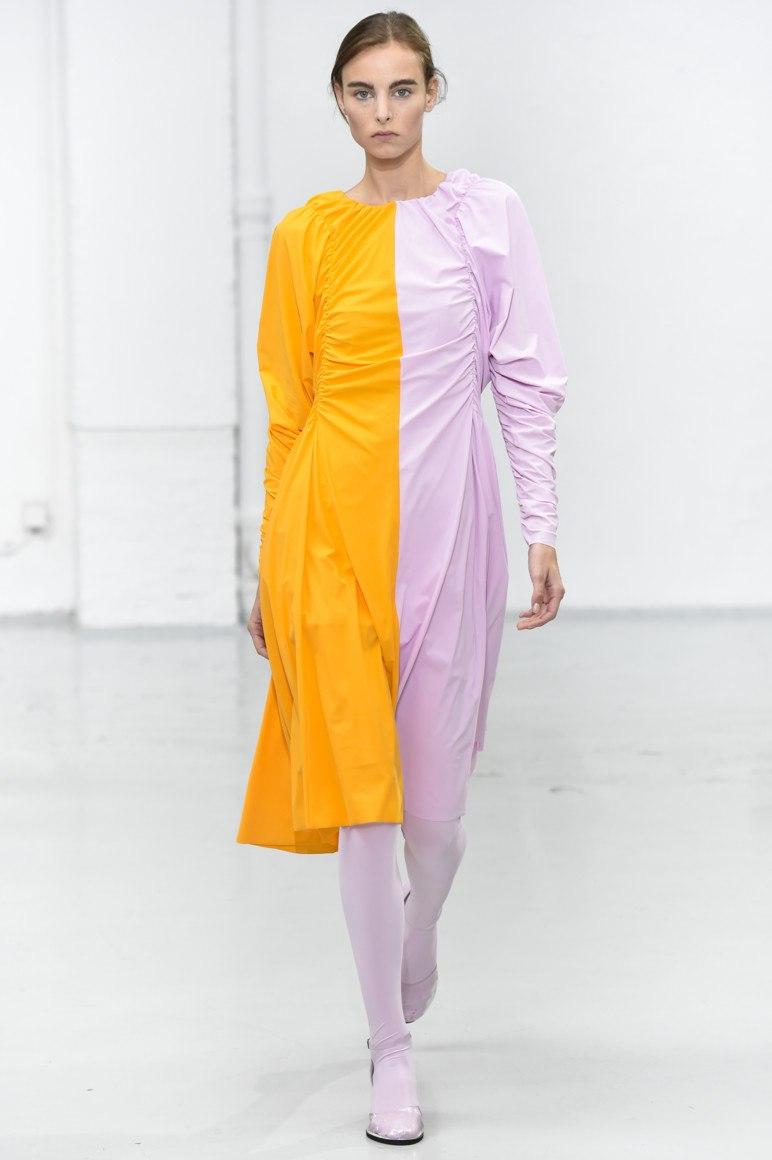 Желтое платье  100+ ярких трендов, новинок, фасонов и сочетаний b6a39b8208e