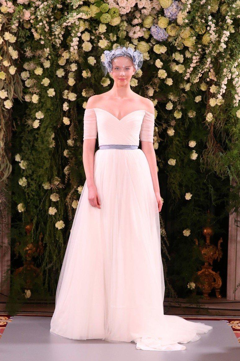 1cbf948626f Свадебные платья для полных  100+ вариантов дизайна на фото
