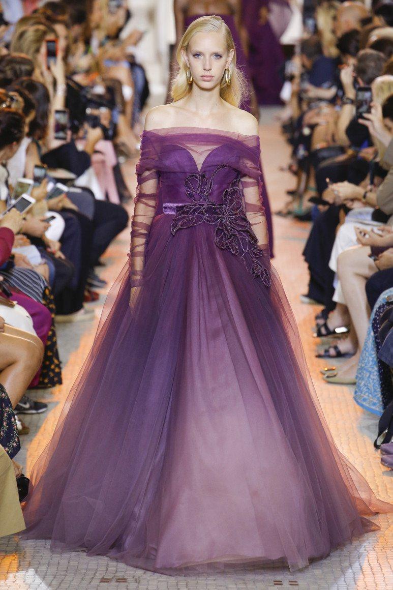 20d84d1de86 Фиолетовое пышное платье – самый шикарный вариант для выпускного праздника  или по сути любого праздничного торжества. Украшают пышные платья рюшами  бантами ...