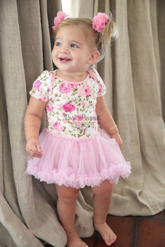 f5ac737123a5672 Красивые платья для девочек 1 года: фото обзор фатиновых вариантов