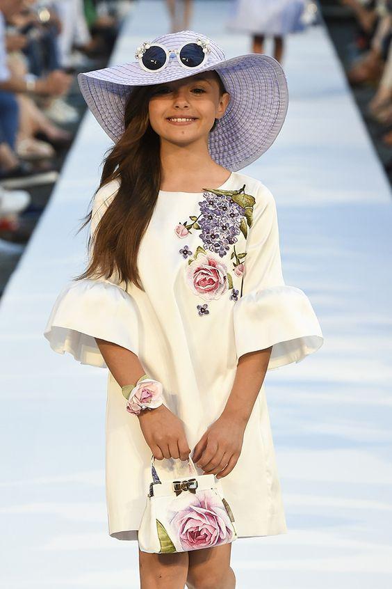 5974debad522935 А также определимся с тем, куда и какое платье надевать, чтобы выглядеть  стильно и элегантно.