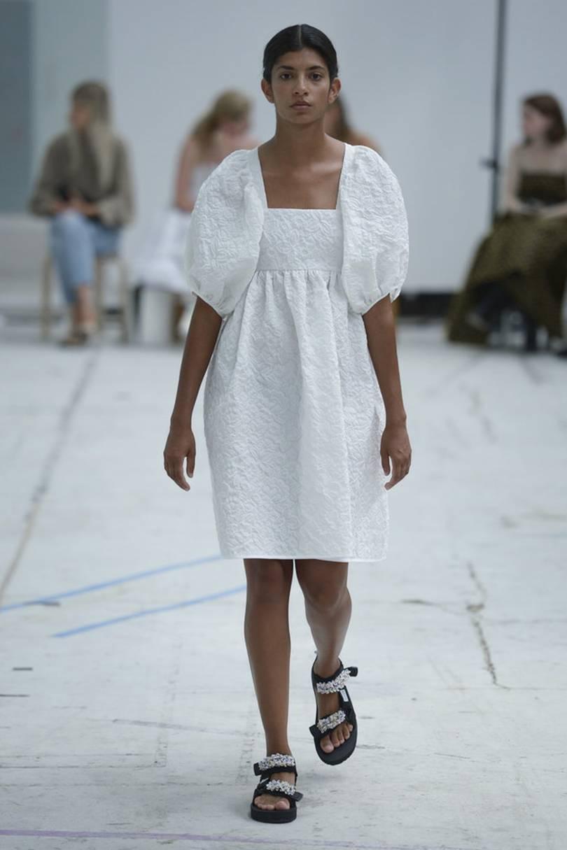 Магия белого летнего платья   1215x810