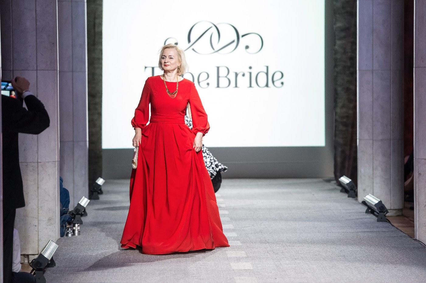 0d5b79a47459527 Женщины за 50 становятся мудрыми и шикарными. Для того, чтобы выглядеть  превосходно даже в таком возрасте, очень важно подобрать правильный  гардероб. Мода ...