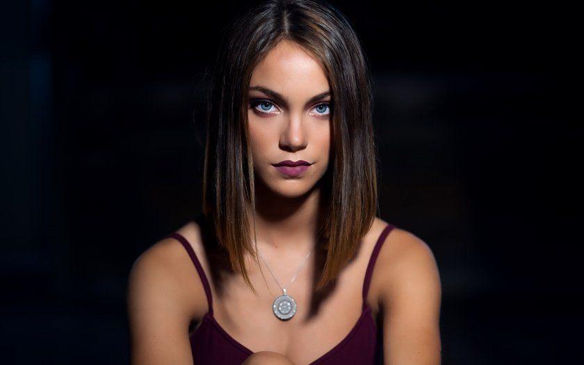s1200-21 Модные женские стрижки 2019: 100 стильных идей на средние волосы
