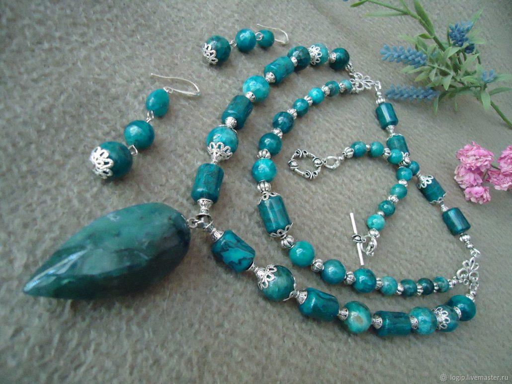 Голубые камни: виды, применение и уход