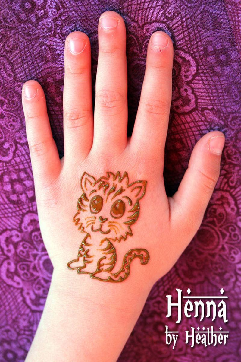 cute-baby-tiger-henna-tattoo-on-hand.jpg