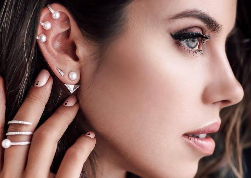 Кольца в ушах