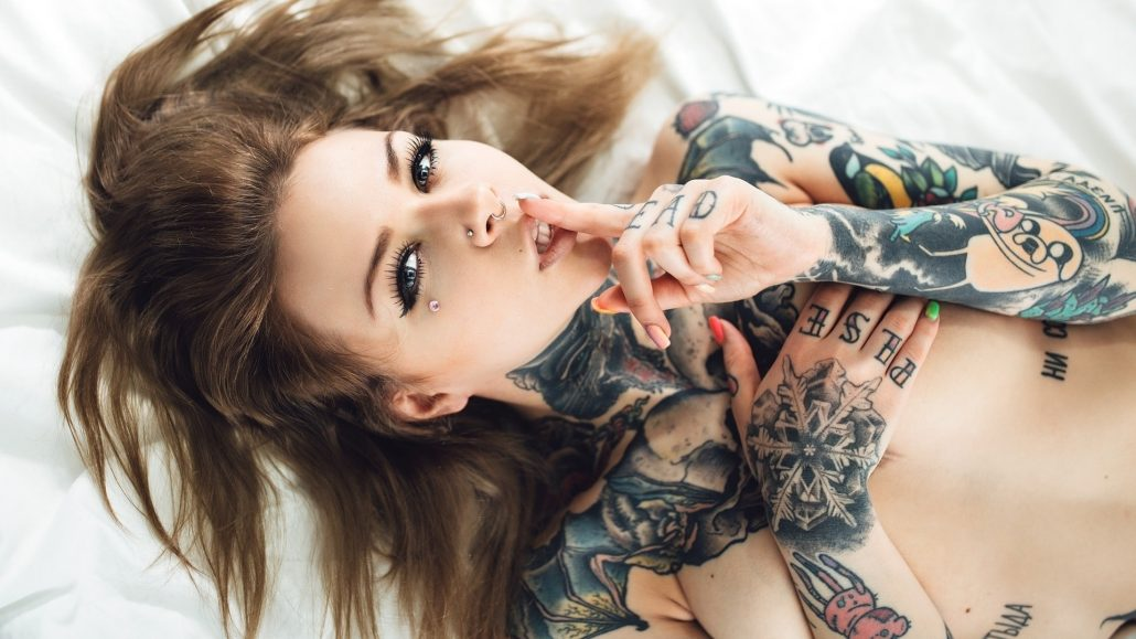 Sxy tattoo girls, hog fucks a woman