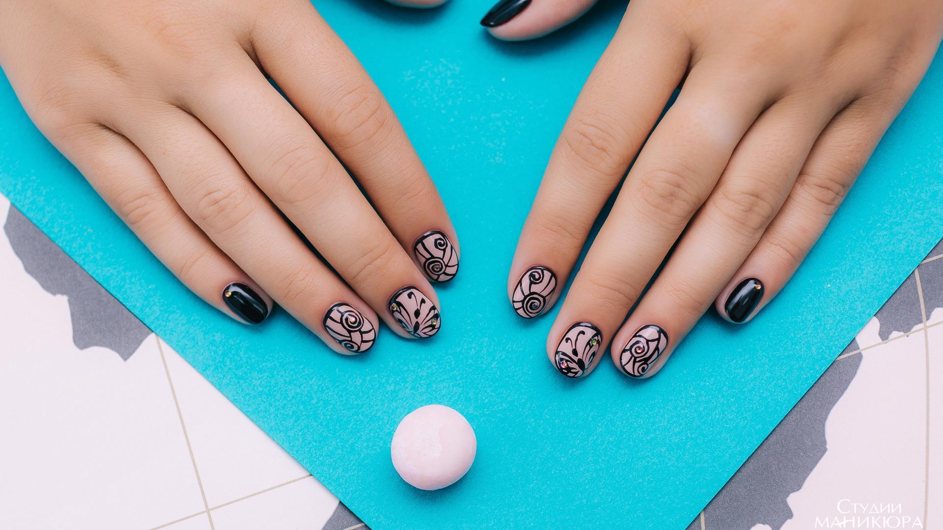 original_5763b54a3f79a5c9388b456d_5853c1f38d6b1 Красивый маникюр на короткие ногти 2019-2020: фото идеи маникюра на короткие ногти