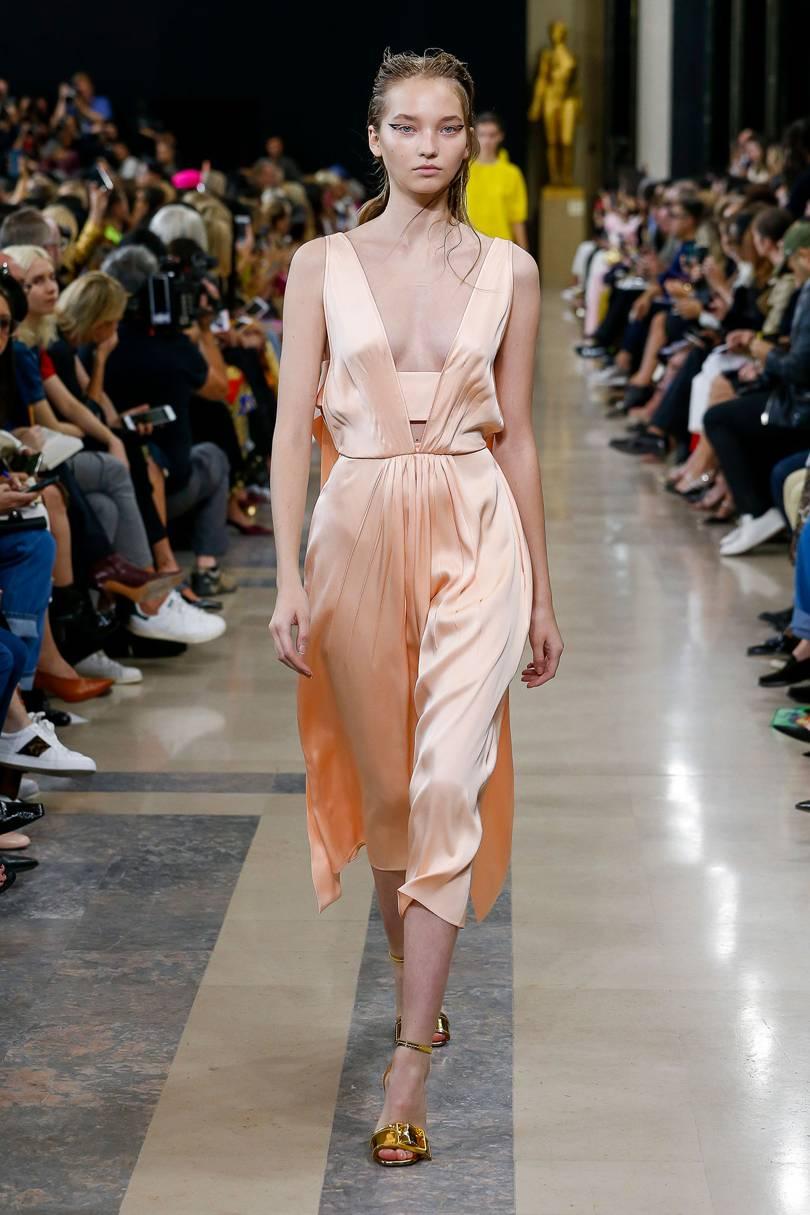 a2f50fe9279 Летние сарафаны 2019 (100 фото) - модные тенденции