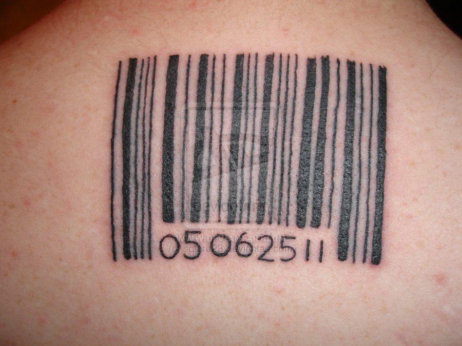 оставили большой фото тату штрих код на кисти хозяина алена