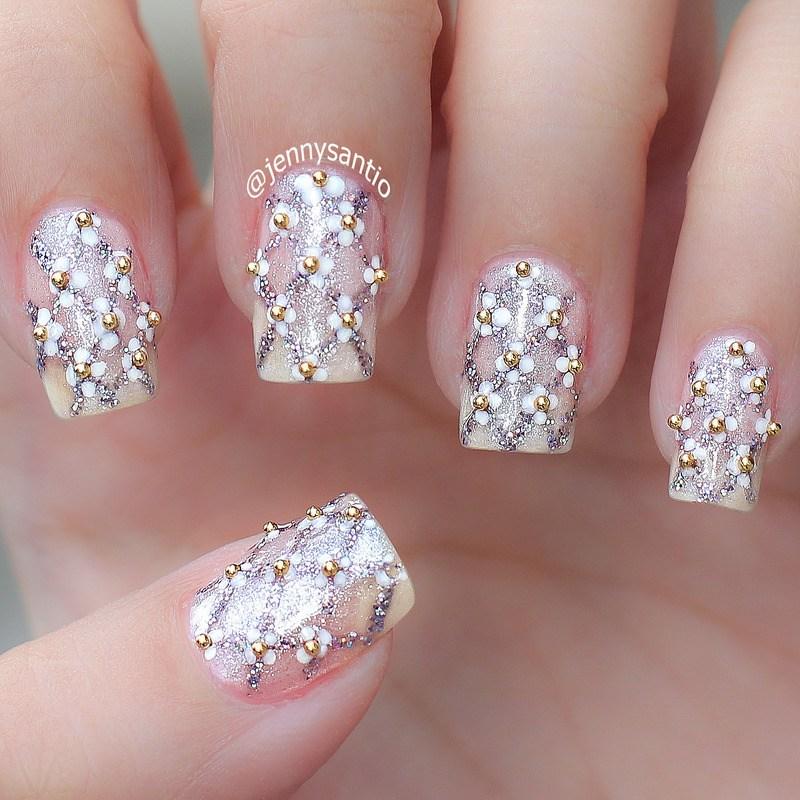 Маникюр с украшениями. Как украсить ногти бульонками?
