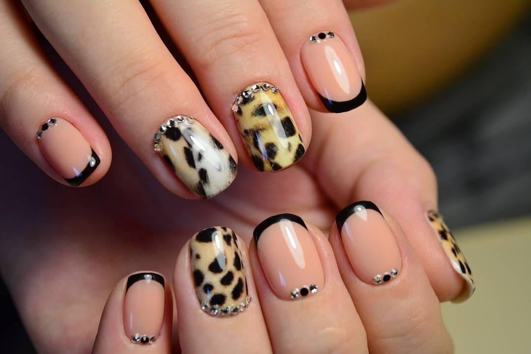 Креативный френч на ногтях