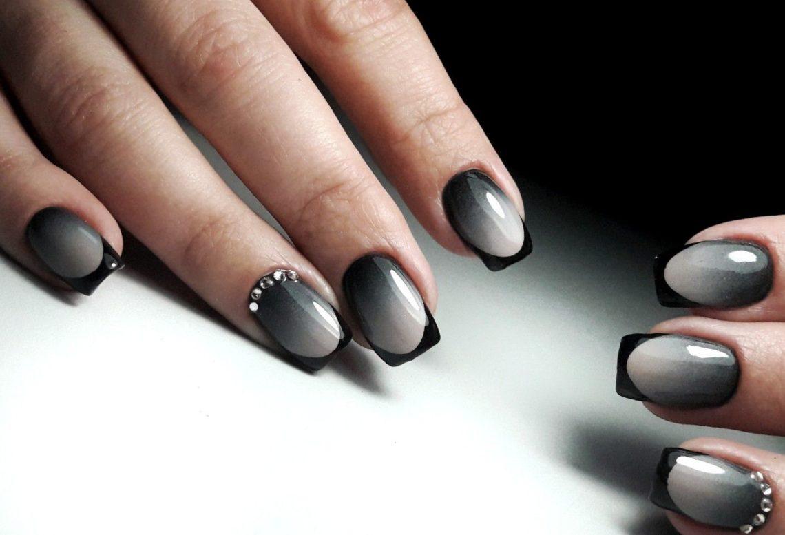 Маникюр черный с серебром френч