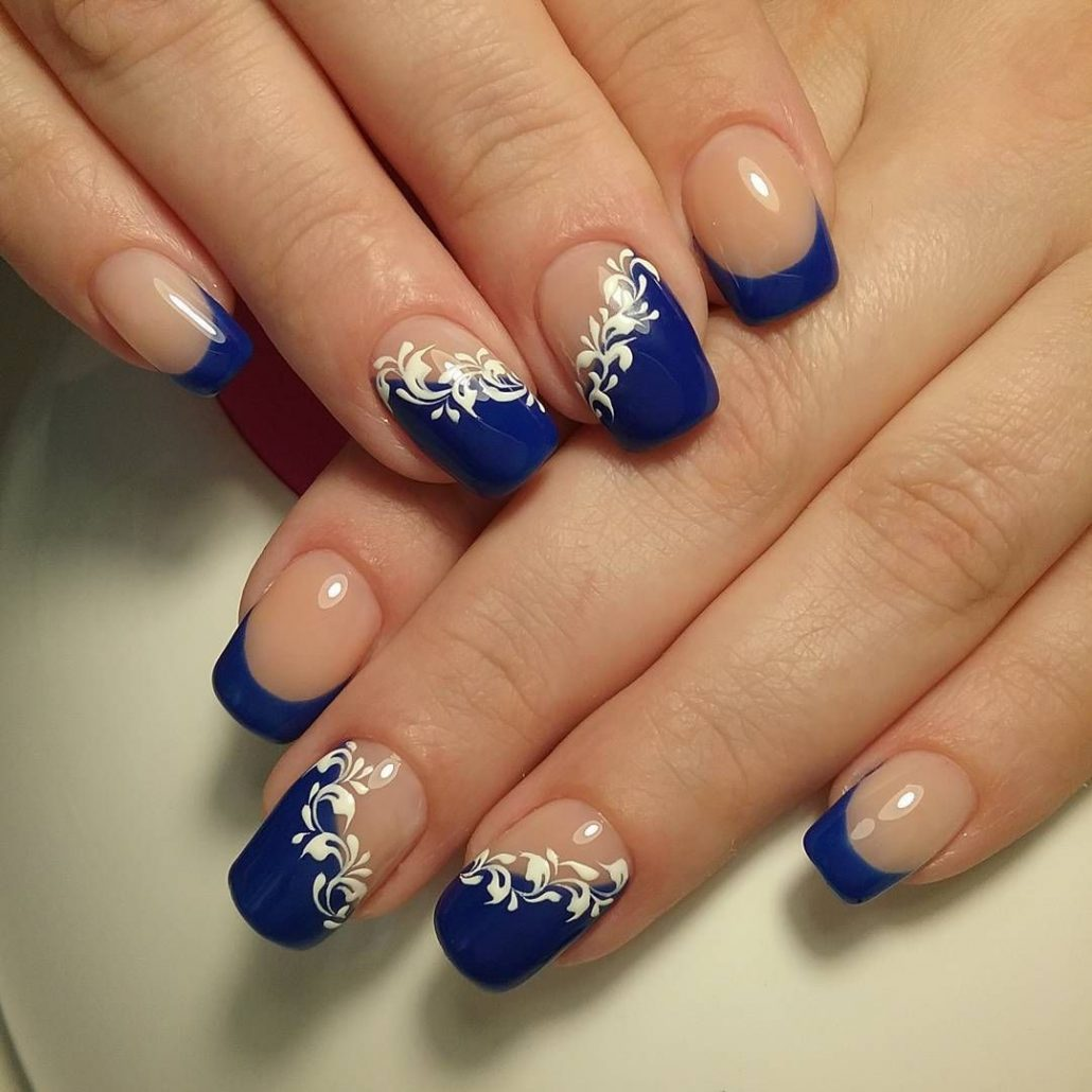 Дизайн ногтей синий с белым фото