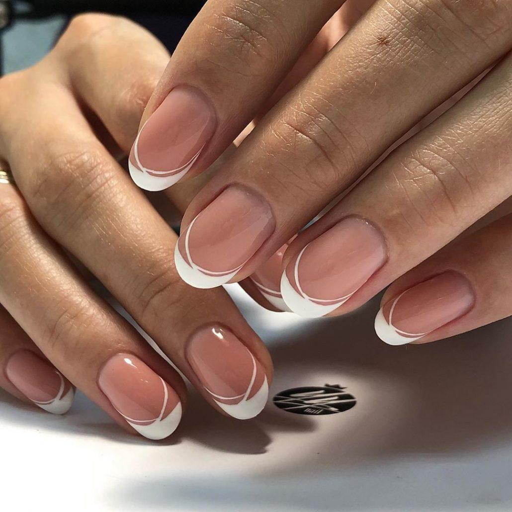 Френч на ногти миндальной формы - идеи дизайна, тренды 2020